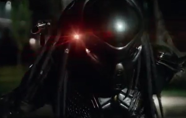 The Wild Final Red Band Trailer For 'The Predator' Brings The Bloody Action 4