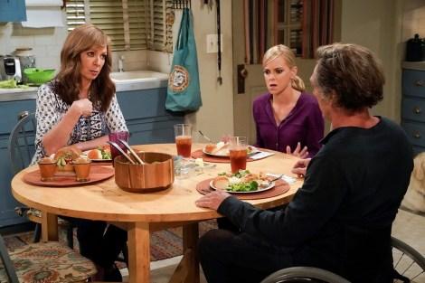 CBS Orders A Double Helping Of 'Mom'; Renews Sitcom For Season 7 & 8 1