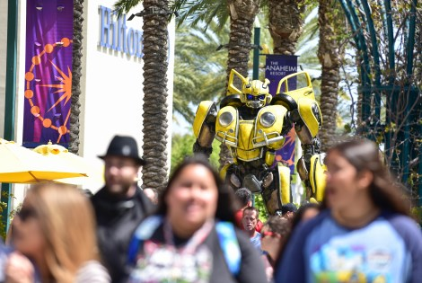 Check Out Photos From Bumblebee's Arrival At WonderCon Anaheim On Friday To Celebrate The Film's Home Entertainment Debut 5