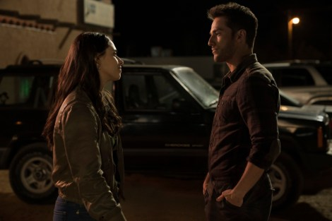 The CW Renews 'Roswell: New Mexico', 'The 100', 'All American' & 'In The Dark' For The 2019-20 Season 1