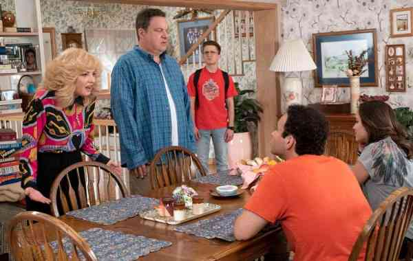 'The Goldbergs' & Spinoff Series 'Schooled' Both Renewed For 2019-20 On ABC 1
