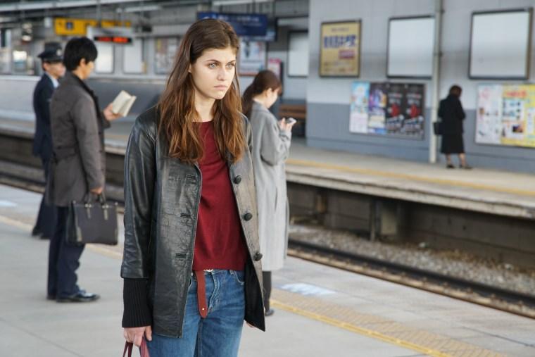 Lost Girls And Love Hotels; Teaser Trailer, Stills & September Release Date Revealed For The Alexandra Daddario Starring Film 10