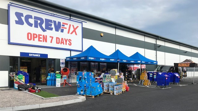 Warminster celebrates new Screwfix store opening