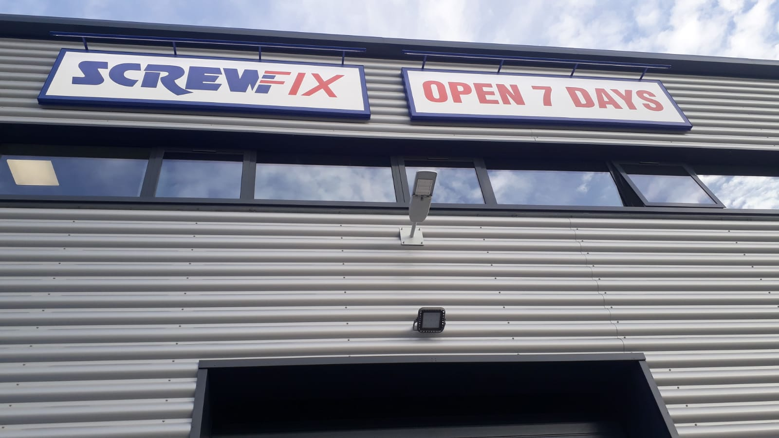 High Wycombe – Loudwater celebrates new Screwfix store opening