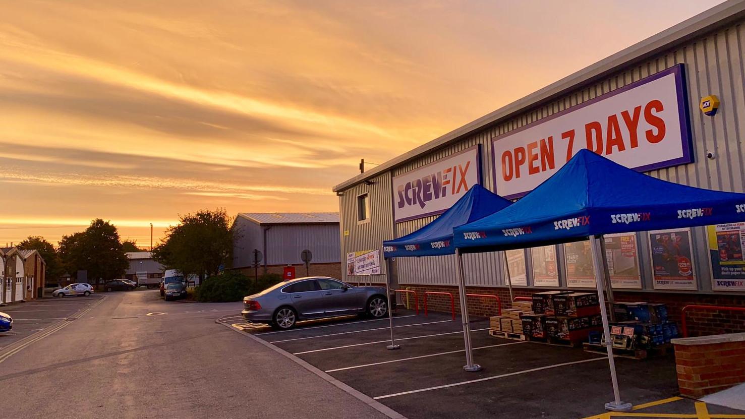 Kidlington celebrates new Screwfix store opening