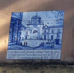 Tile plaque with picture of Puerta Real.