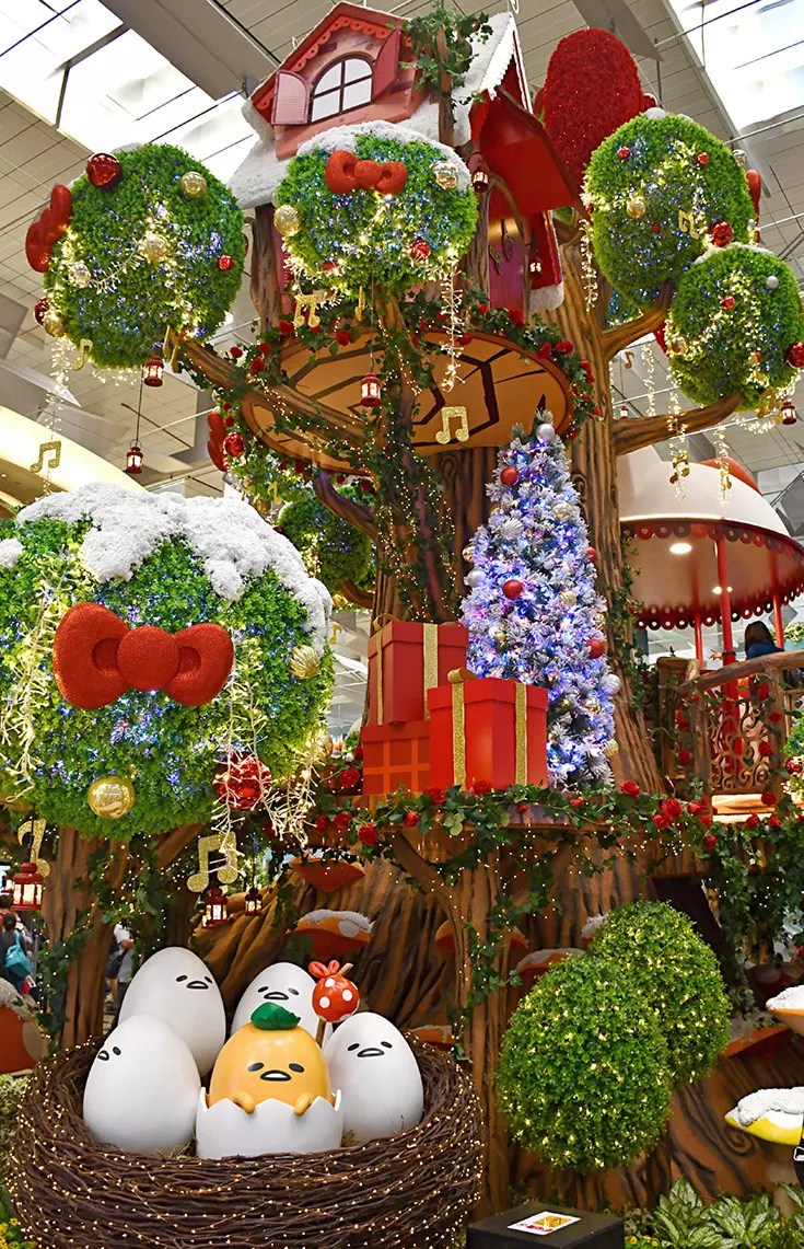 Christmas Decorations in Singapore 2017 - Changi's Mythical Garden with Sanrio Characters