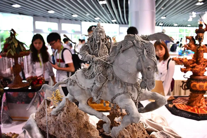 FHA 2018 Pastry Showpieces - Guan Yu