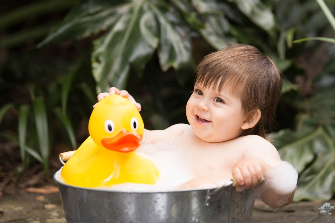 First Birthday Outdoor Photoshoot Bubble bath