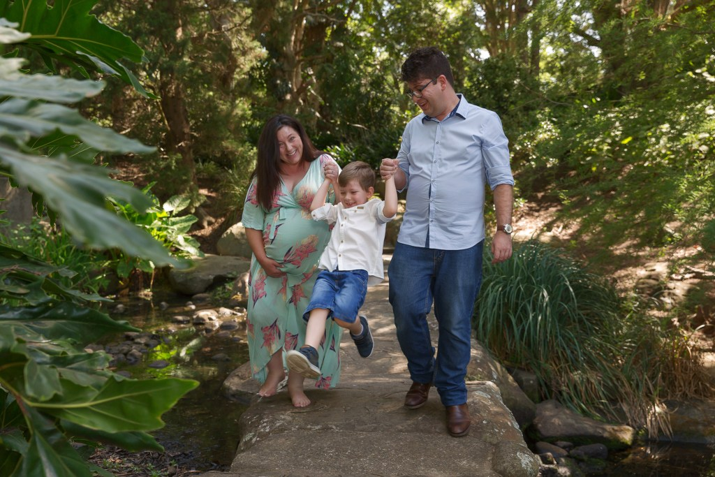 Shellharbour Outdoor Maternity Photographer
