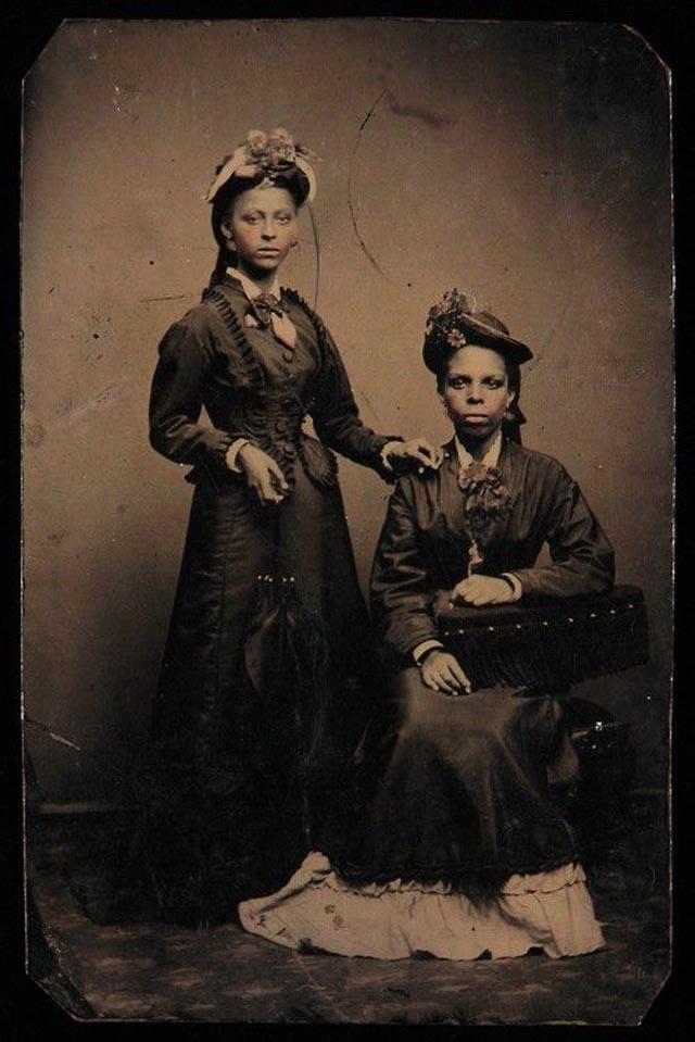 Helen Louise Johnson et Agnes Marion Edwards