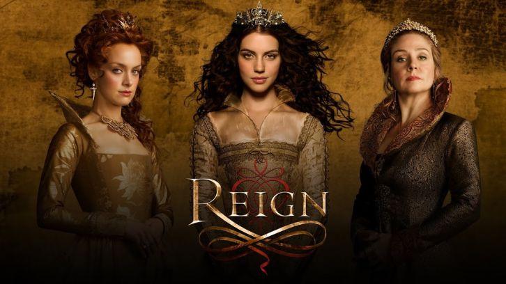 Rachel Skarsten, Adelaide Kaine e Megan Follows, respectivamente como Rainha Elizabeth, Rainha Mary e Rainha mãe Catherine di Medici