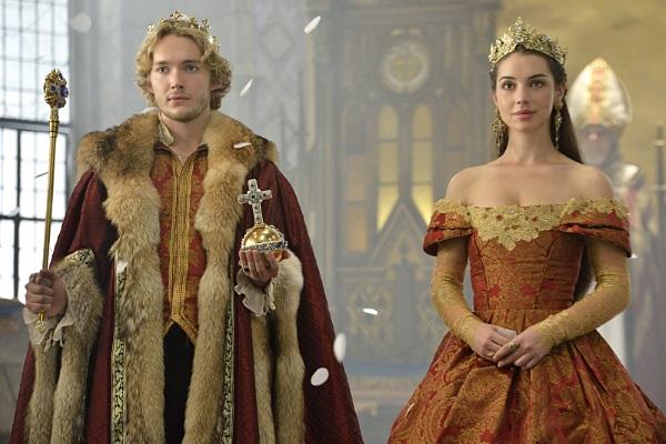 Toby Regbo, como Francis e Adelaide Kaine como Mary em cena de Reign.