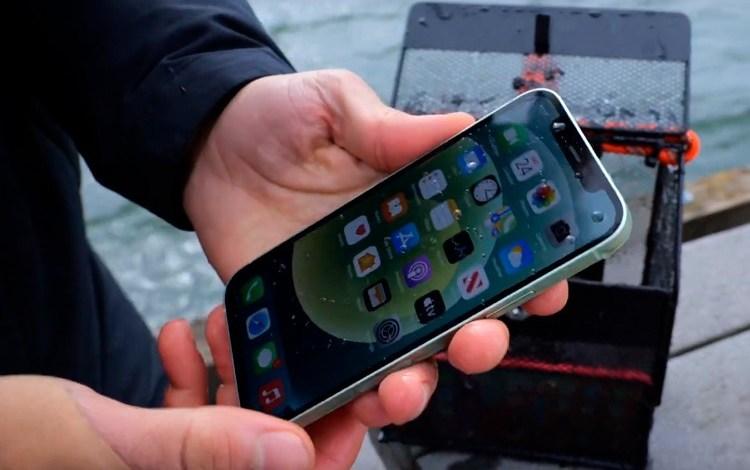 Photo of უკეთესი, ვიდრე მოსალოდნელი იყო: Apple iPhone 12-მა ექვსი მეტრის ნაცვლად ცხრა მეტრზე ჩაძირვას გაუძლო