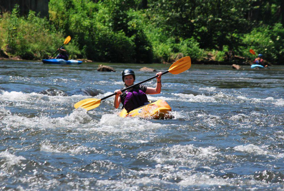 Sunshine and smiles as lymphoma survivor Candice Stinnett enjoys a day of kayaking