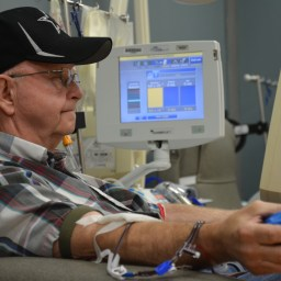 Platelet donor gives gifts to encourage more blood center donations