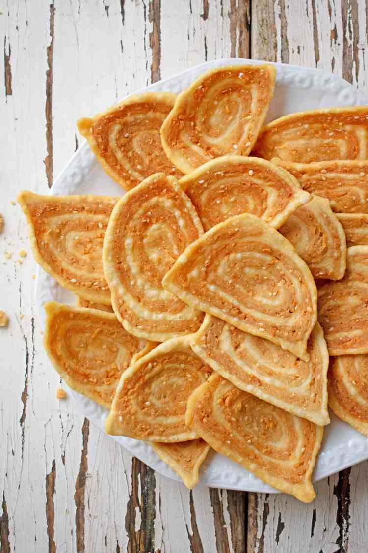 Vietnamese-Pig-Ear-Biscuits-1.1