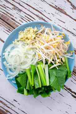 Chicken and Rice Noodle Stir Fry Ingredients