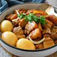 Thit Kho (Vietnamese Braised Caramelised Pork)