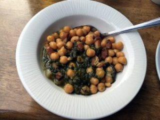 Chickpeas, spinach, pancetta.