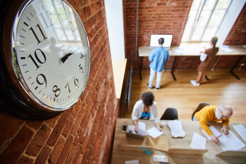 Should Law Firms Reduce Their Weekly Hours?