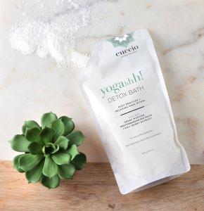 Cuccio Somotology Detox Bath - FabFitFun Fall Box Review - SCsScoop.com