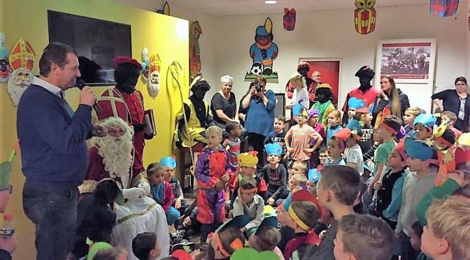 Sinterklaas brengt bezoek aan Sc 't Zand