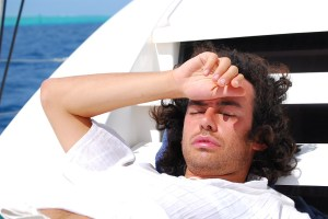 uomo in relax in mare
