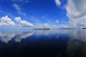 Ocean like glass in Ponhpei © Simon Williams, Pohnpei Surf Club