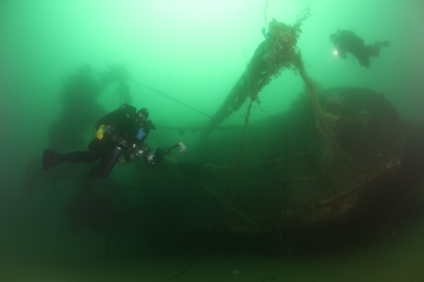 Divers on the wreck enjoy excellent visibility. Photo: Matthew Lawrence/NOAA
