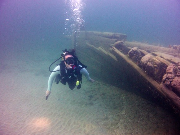 A diver swims at the wreck of William P. Rend. (Photo credit: Stephanie Gandulla/NOAA)