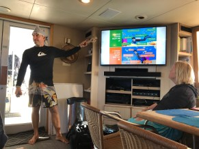 Dive guides include Green Fins environmental content in dive briefings to their guests. Credit: Explorer Ventures