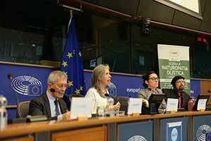 Milena parla al parlamento Europeo Bruxelles di Naturopatia e sani stili di vita