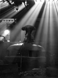 lavorazione interna a Lovere. Fotografia archivio Lucchini RS, 1940
