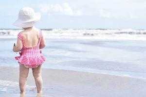 Come rilassarsi in spiaggia con i bambini