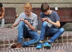 Truffe online contro i minori: come proteggerli