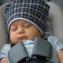 Bambini dimenticati in auto: seggiolini salva bimbi e dispositivi