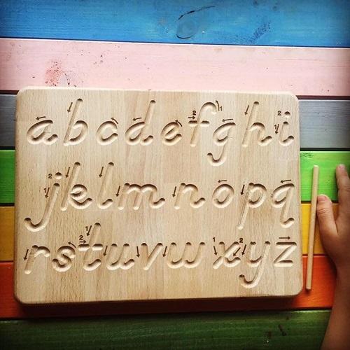 Tavola Montessori per il corsivo