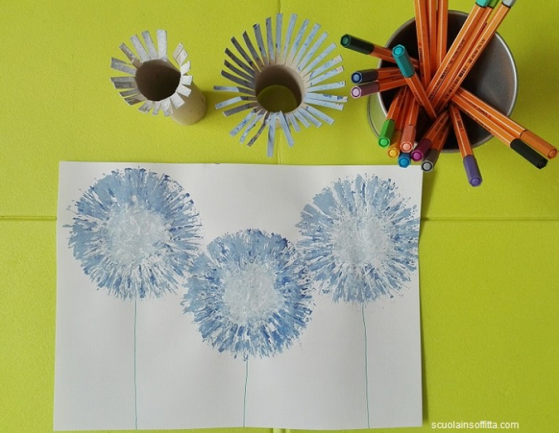 Dipingere con i rotoli di carta