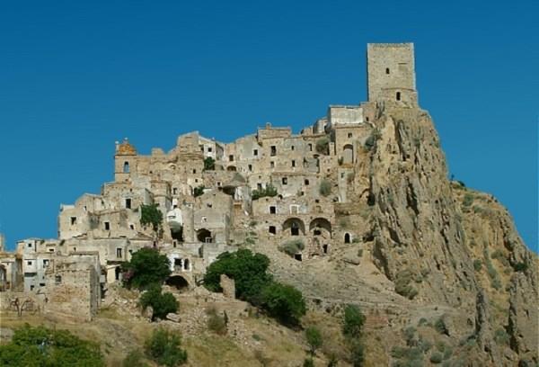 Città fantasma e borghi abbandonati in Italia