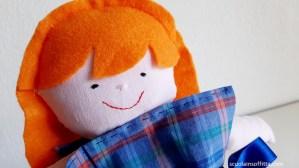 Bambola in stoffa fatta a mano