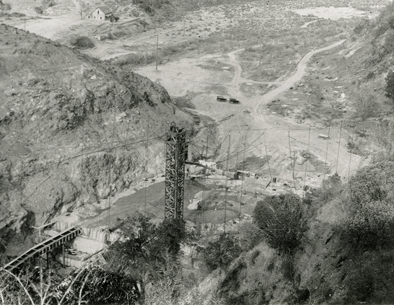 St. Francis Dam Under Construction SAN FRANCISQUITO CANYON. Photos of the St. Francis Dam disaster.