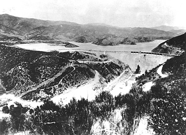 St. Francis Dam with Water. SAN FRANCISQUITO CANYON. Photos of the St. Francis Dam disaster.