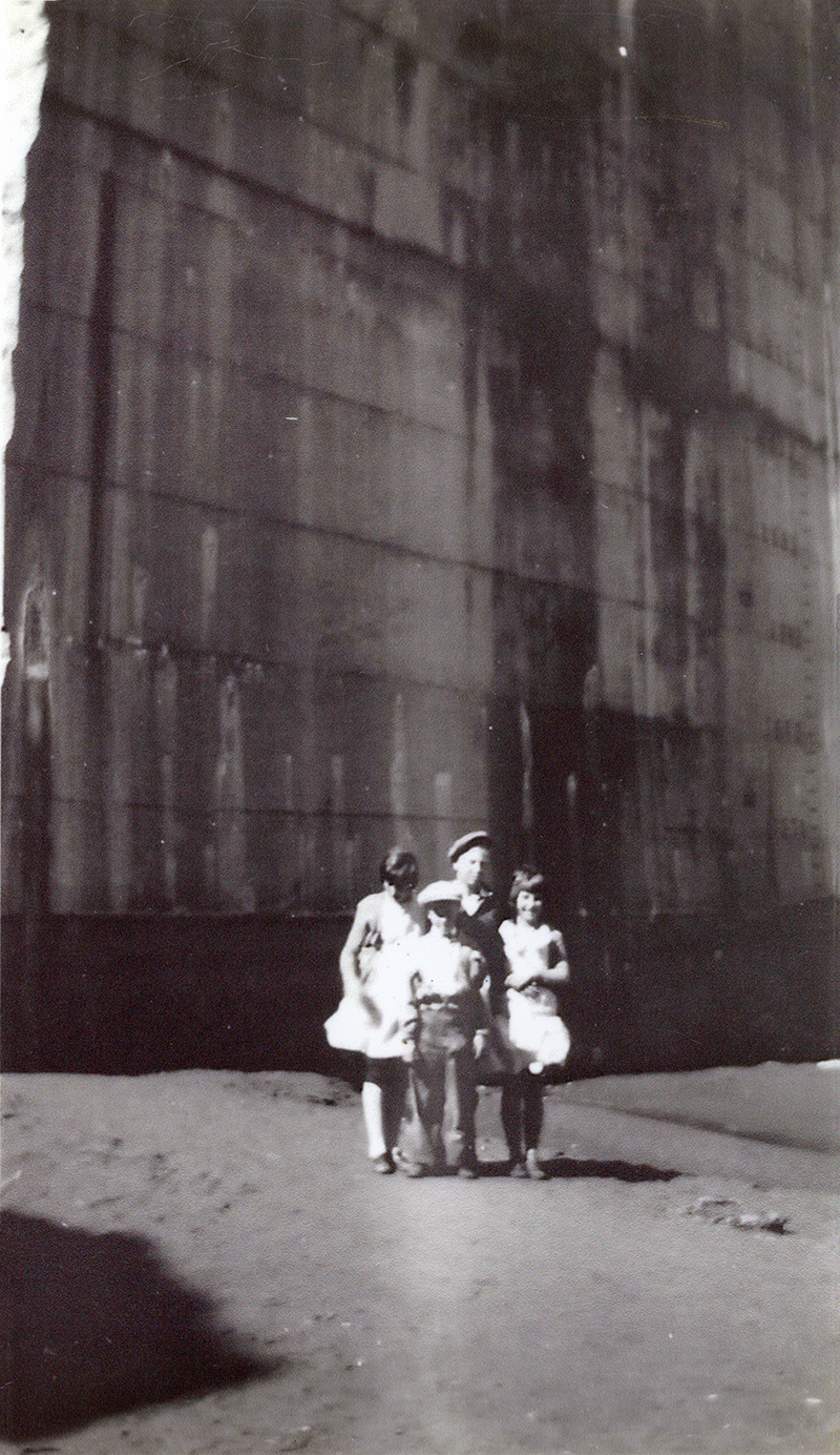 Cowart Family of Burbank Visits ST. FRANCIS DAM SITE, SAN FRANCISQUITO CANYON