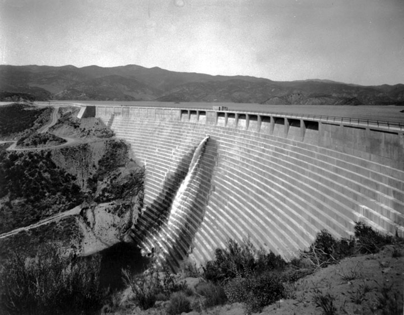 The St. Francis Dam intact before the disaster.