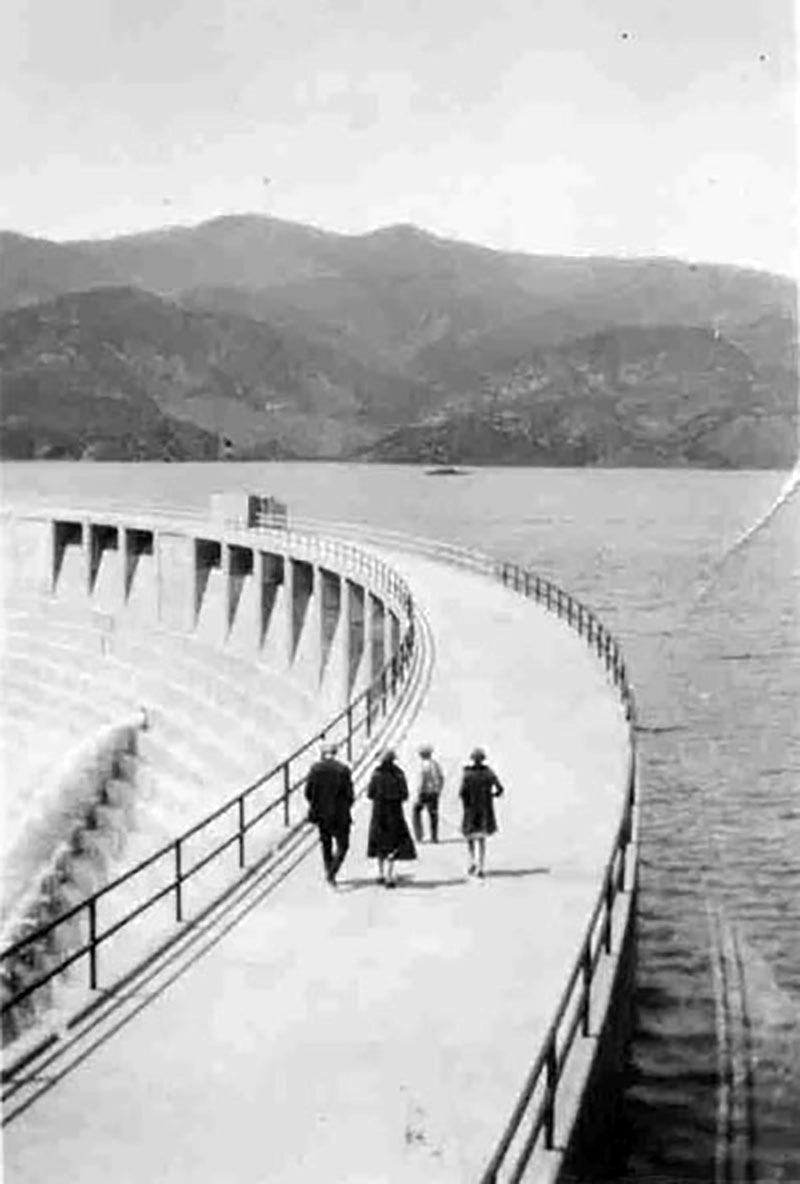 Walking Across Top of Dam. SAN FRANCISQUITO CANYON. Photos of the St. Francis Dam disaster.