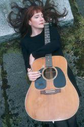 katy_moffatt_guitar