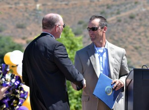Rep. Steve Knight congratulates Superinetndent Brent Woodard