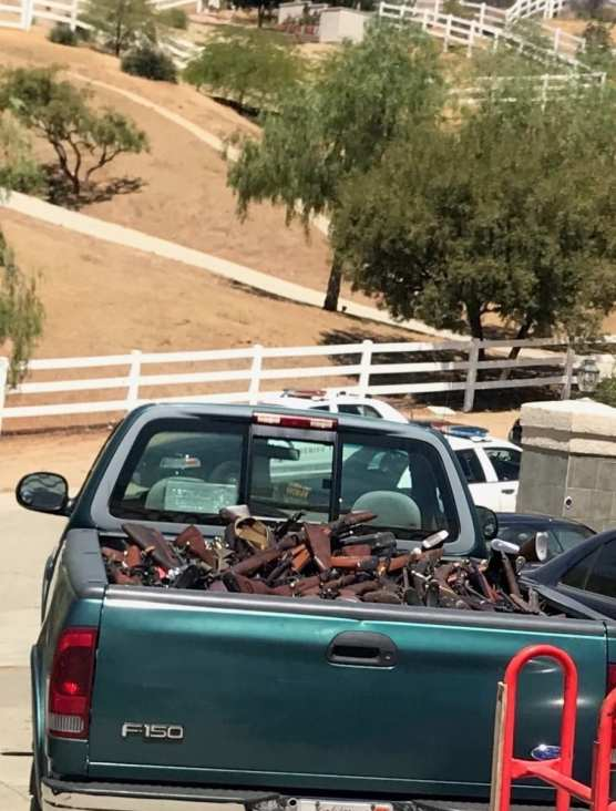 Firearms Seized in Agua Dulce