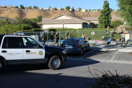 Santa Clarita Valley Sheriff's Station deputies arrested a woman who had barricaded herself in a Castaic apartment on Friday, Sept. 14, 2018. Photo: Two8Nine Media.